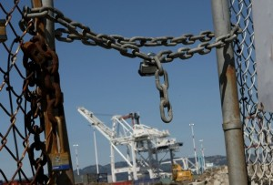 West Coast Dockworkers Hold Day-Long Work Stoppage To Protest Iraq War